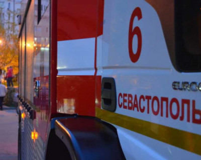 Спасатели Севастополя спасли двух человек на пожаре в квартире