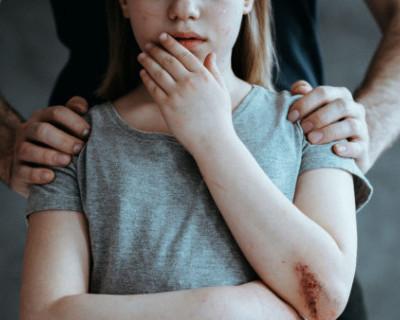 Жительница Керчи обвинила своего отчима в изнасиловании
