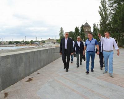 Глава Крыма и вице-премьер Марат Хуснуллин посетили объекты ФЦП в Евпатории