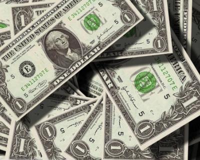 Россияне сняли со своих счетов более 600 млн долларов