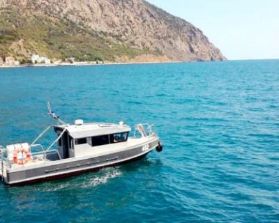 Росгвардейцы спасли в море туристов