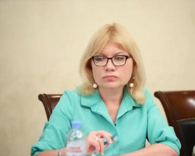 Нотариус Наталья Кирюхина и коммунист Роман Кияшко обсудят свои отношения в суде