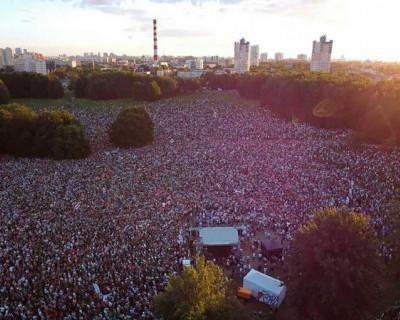 В Белоруссии прошел крупнейший митинг оппозиции за последние десять лет (ВИДЕО)