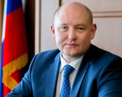 Врио губернатора Севастополя показал кота своей дочери