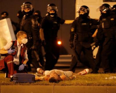 Уличные протесты в Белоруссии переросли в столкновения (ФОТО)