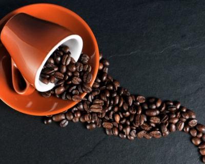 Кому из россиян стоит меньше пить кофе?
