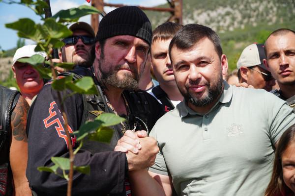 колонна «Ночных волков» встретилась с главой Донецкой Народной Республики Денисом Пушилиным