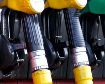 Сколько можно купить бензина в Крыму на среднюю зарплату?