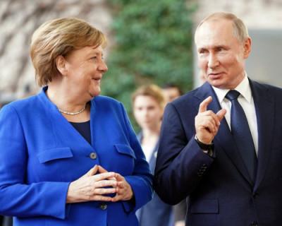 Путин и Меркель обсудили по телефону кризис в Беларуси