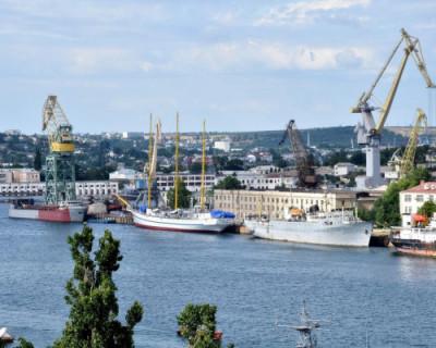 Михаил Развожаев и министр промышленности России обсудили развитие промышленности в Севастополе