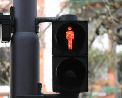 В центре Севастополя появится еще один светофор