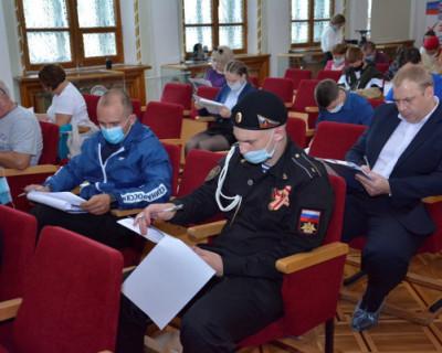 Врио губернатора Севастополя принимает участие в акции «Диктант Победы»