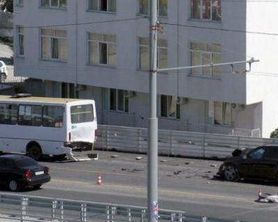 В Севастополе возбуждено уголовное дело по факту столкновения автомобиля и автобуса