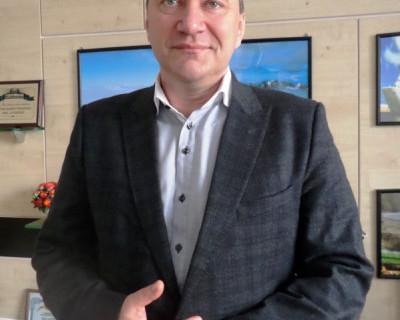 Дмитрий Анатольевич Белик поздравляет всех женщин Севастополя с 8 марта