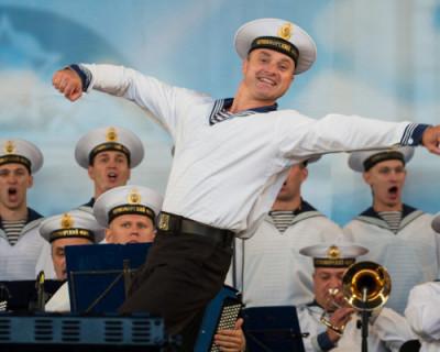 Ансамбль песни и пляски Черноморского флота сегодня выступит со специальной программой