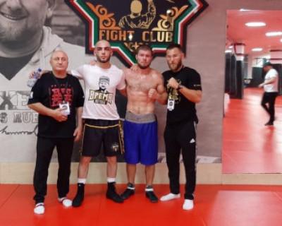 Воспитанник клуба «Фиолент» провел свой первый бой на профессиональном ринге (ВИДЕО)