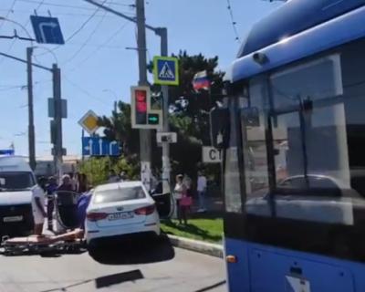 В Севастополе водитель автомобиля умер за рулем (ВИДЕО)