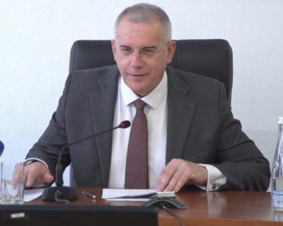 Избирком Севастополя утвердил результаты выборов губернатора и депутата Заксобрания