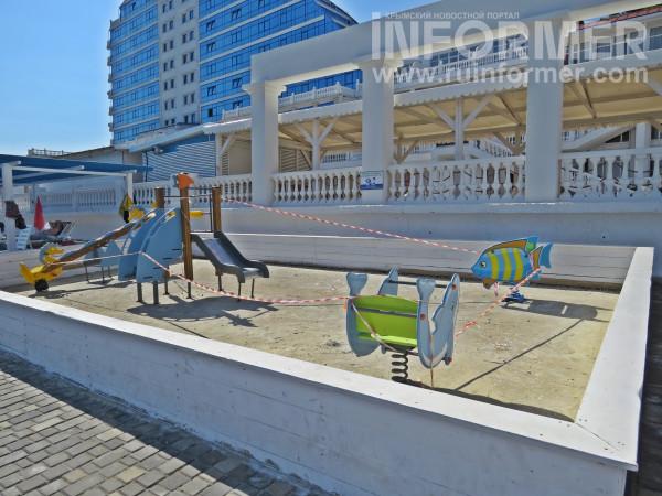 пляж Хрустальный закрыт купальный сезон