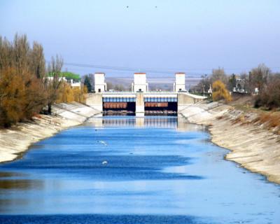 Москва не сомневается в возобновлении поставок воды из СКК в Крым, хотя в Киеве об этом не догадываются