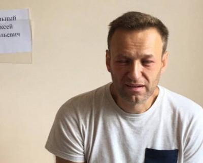 Российский политолог скептически относится к отравлению Навального