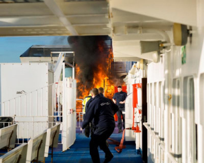 В Севастополе потушили пожар на судне «Онтарио»