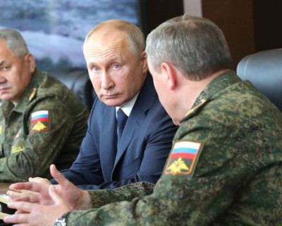 Владимир Путин наблюдал за военными учениями на полигоне Капустин Яр (ВИДЕО)