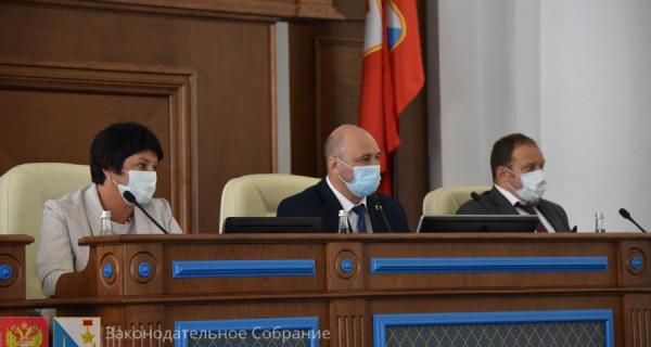 На сессии Заксобрания Севастополя единороссы обидели жириновцев и коммунистов, а воду решили поискать из космоса
