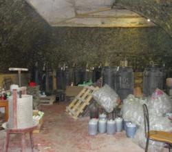 В Крыму ликвидировали подпольный цех по производству алкоголя