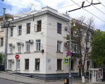 Работники горхоза Севастополя оперативно устранили последствия потопа в квартире