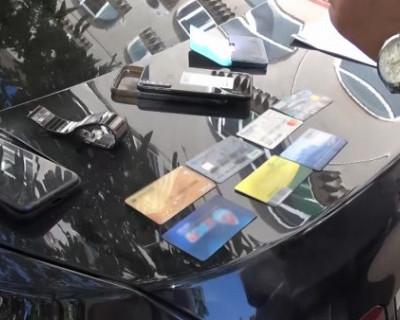 Полицейские Севастополя задержали подозреваемых в вымогательстве 2 миллионов рублей у предпринимателя
