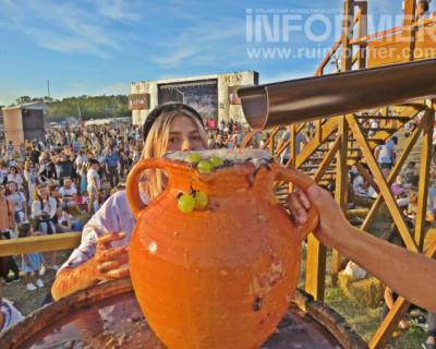 Севастопольцы и гости остались в восторге отюбилейного WineFest2020