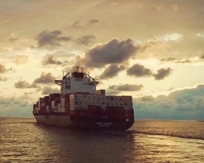 Около 400 тысяч моряков оказались запертыми на своих кораблях из-за пандемии коронавируса
