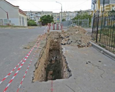 Археологические раскопки на проспекте Античном в Севастополе