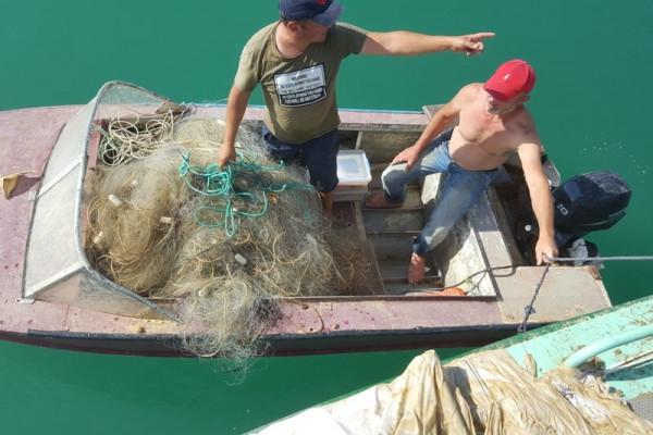 В Севастополе задержали рыбаков-браконьеров