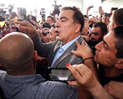 В Греции избили Саакашвили (ВИДЕО)