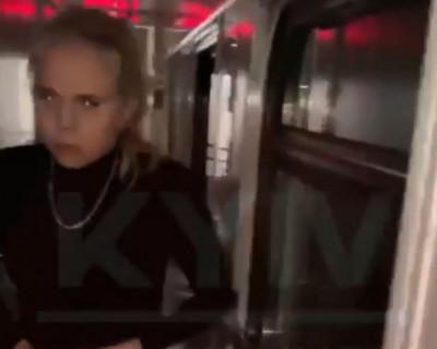 Голые украинки устроили дебош в поезде (ВИДЕО)