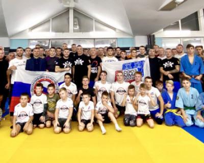 «Миссия чемпиона» в Севастополе: мастер-класс от титулованного самбиста мира