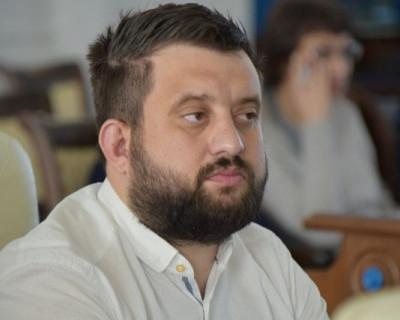 Севастопольский депутат призвал власти срочно принять решение о переводе школ и вузов города на дистанционное обучение