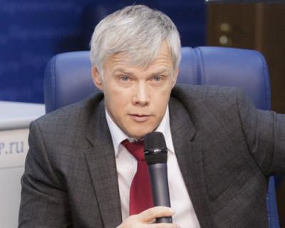 Вакцинированный депутат Госдумы заразился коронавирусом