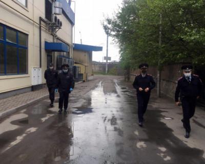 Житель Симферополя избил гражданина и забрал у него 300 тысяч рублей