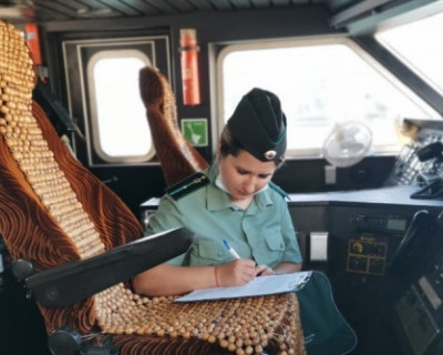 Крымские приставы арестовали катамаран