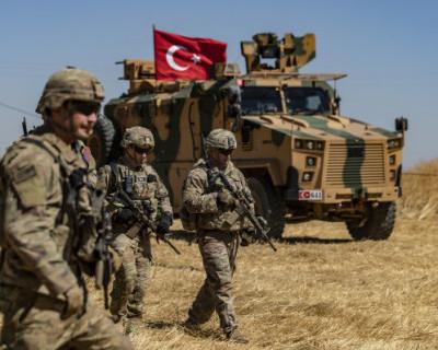Турецкий Азербайджан: Анкара начала размещать свои войска вблизи границ России