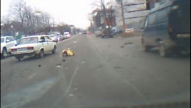 Внимание пешеходы! Шокирующее видео (+18)
