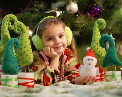 В Севастополе разрешили проводить новогодние ёлки только в детских садах и школах