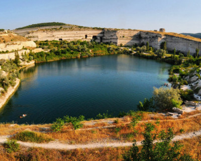 Правительство Севастополя возьмет около 1 млн кубических метров воды из Инкерманского карьера
