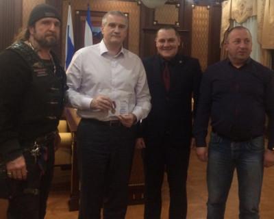 Самооборона Севастополя поздравила главу Крыма с днём рождения