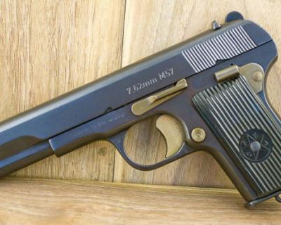Сотрудники Росгвардии задержали севастопольца, вооруженного пистолетом