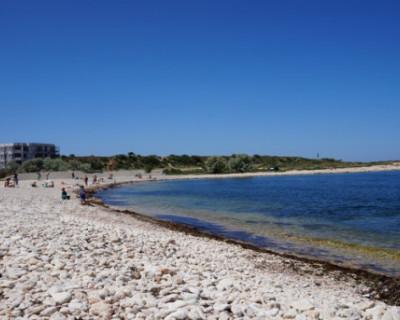 Житель Севастополя решил пострелять на пляже
