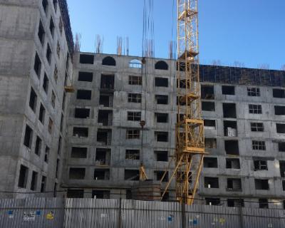 Губернатор Севастополя проверил строительство дома для реабилитированных